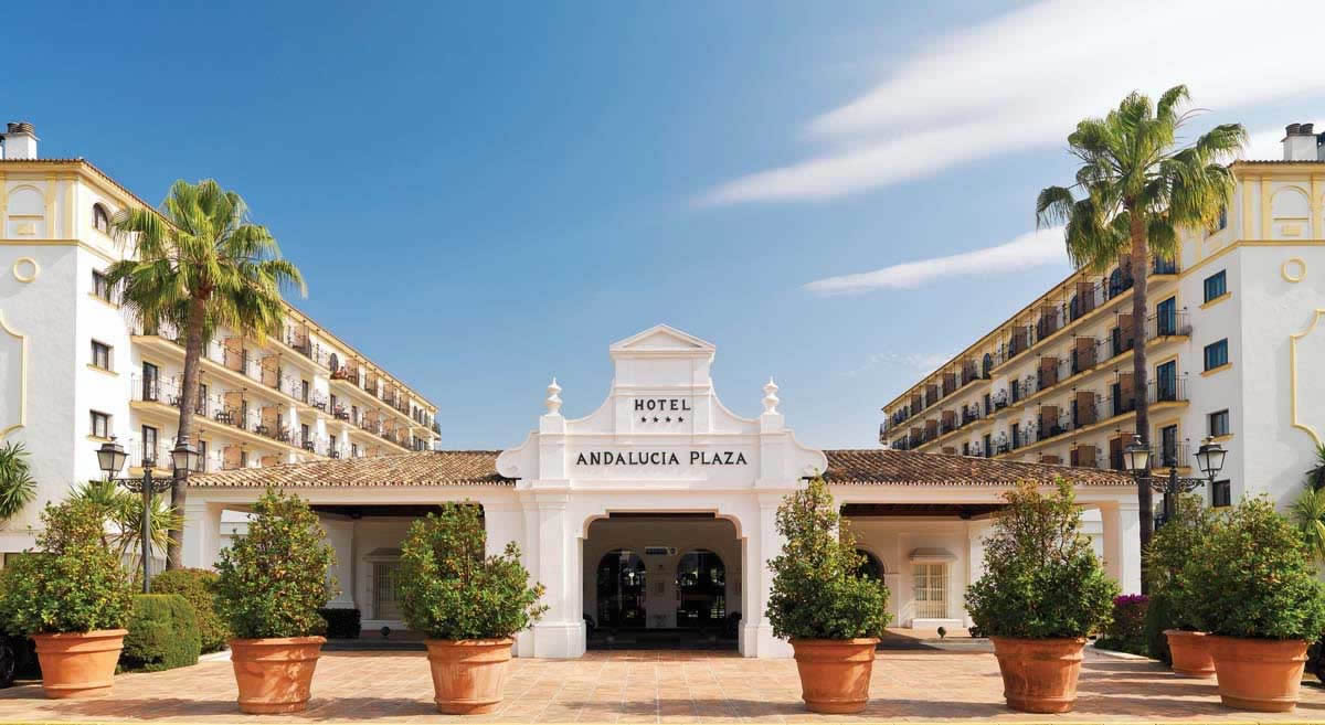 entrance to the hotel andalucia plaza