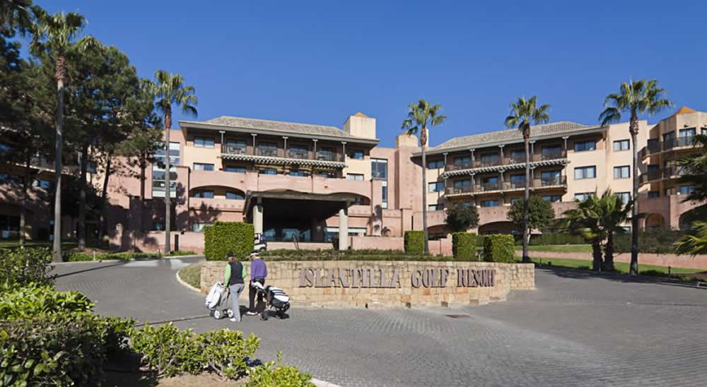 the entrance to the islantilla golf resort hotel