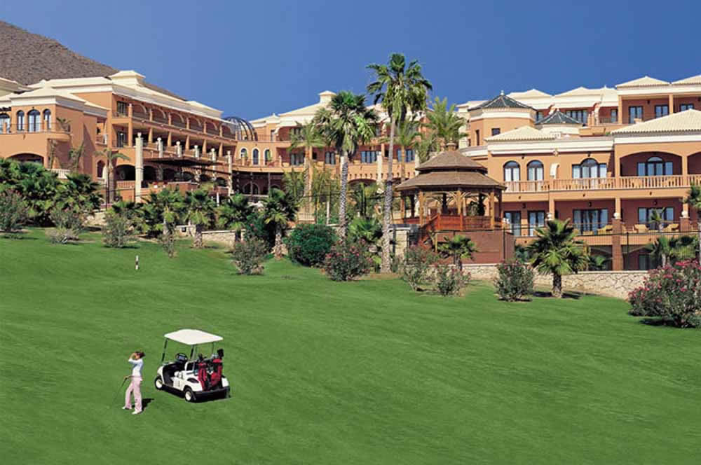 hotel las madrigueras, tenerife with the golf las americas course in the foreground