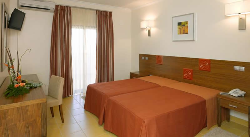 a double bedroom at the praia sol hotel - vilamoura