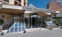 entrance of the las piramides hotel