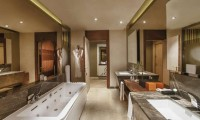 a bathroom at the Maxx Royal Golf & Spa Hotel
