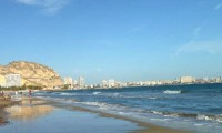 the magnificent Alicante beach