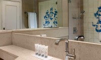 penina guest bathroom