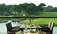 dining with a golf course view